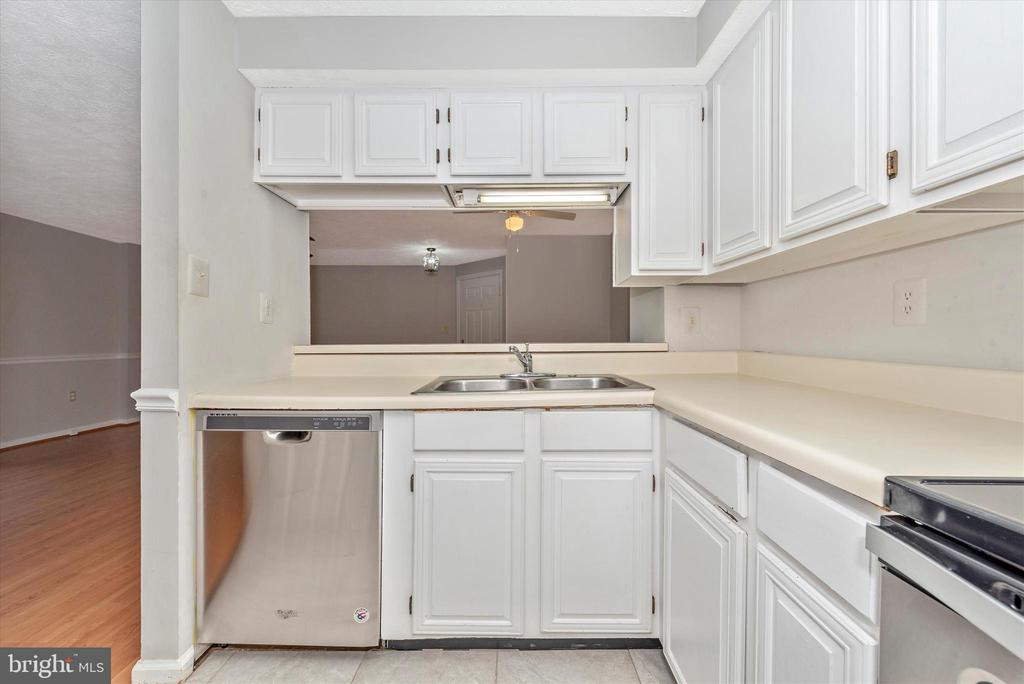 Stainless Steel Appliances - 809-D STRATFORD WAY #1400D, FREDERICK