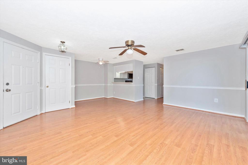 Spacious Living/Dining Room - 809-D STRATFORD WAY #1400D, FREDERICK
