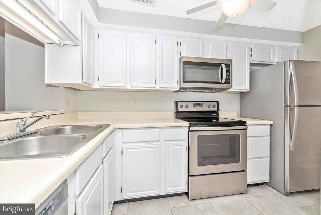 Kitchen - Updated Appliances - 809-D STRATFORD WAY #1400D, FREDERICK