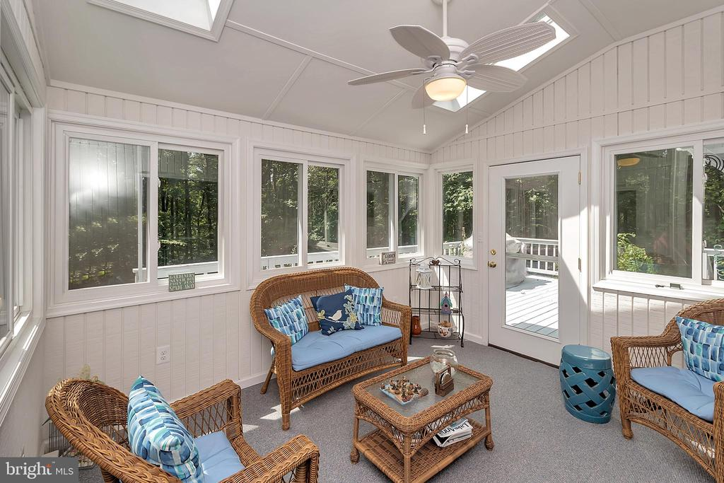 4 season room off dinning room - 10902 LAKEN WOODS DR, BUMPASS