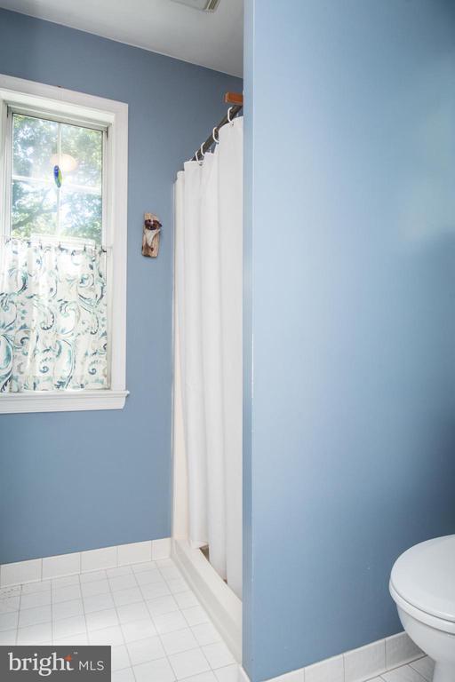 Master Shower - 20438 WHITE OAK DR, STERLING