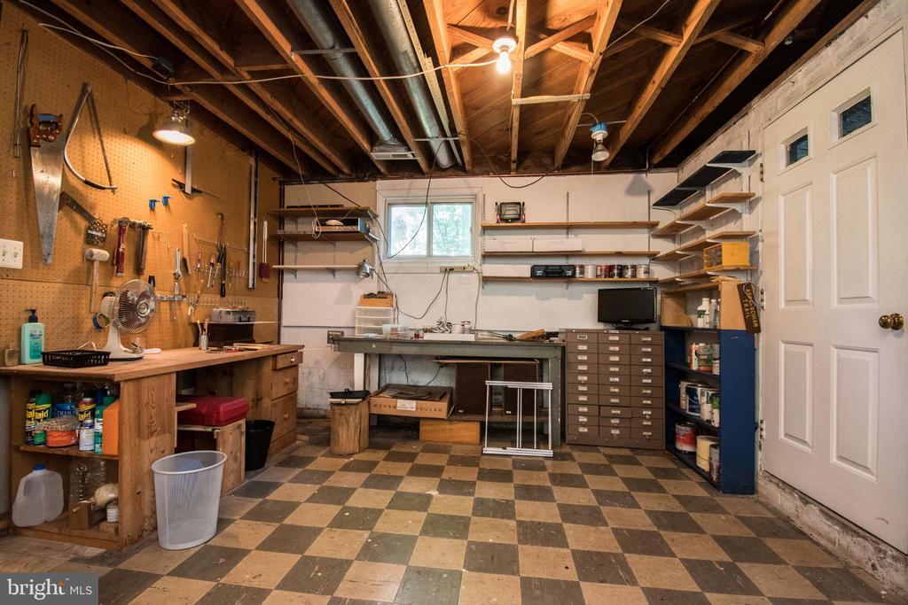 Lower Level Workroom - 20438 WHITE OAK DR, STERLING