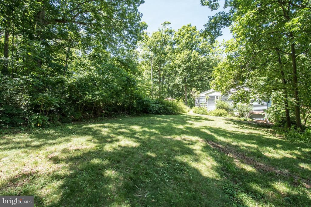 View From Side Yard - 20438 WHITE OAK DR, STERLING