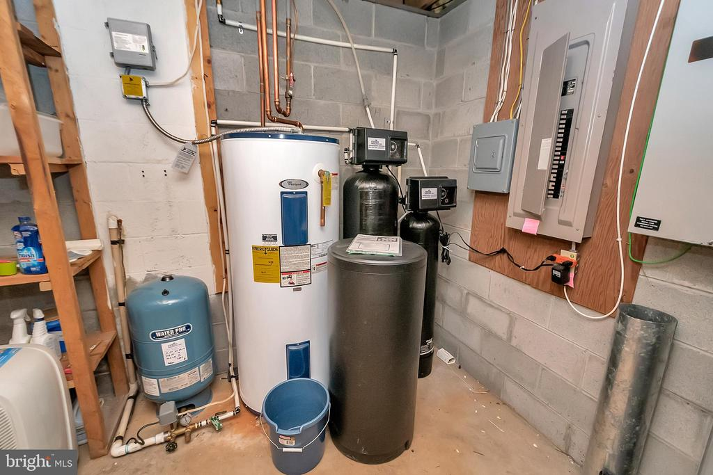 water filtration system - 10902 LAKEN WOODS DR, BUMPASS