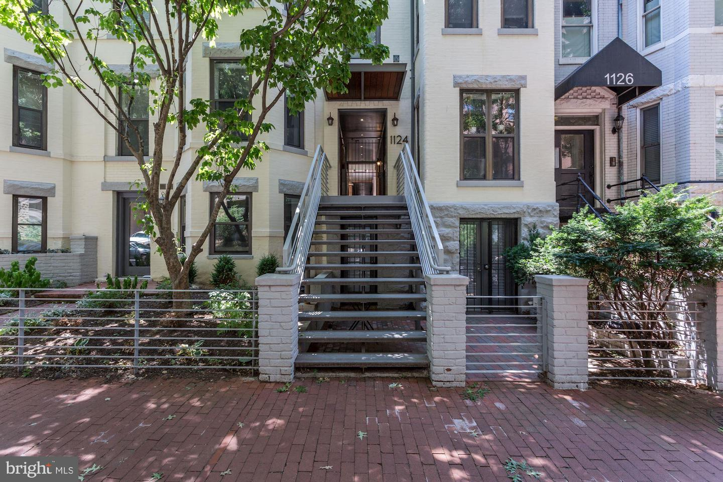 Single Family for Sale at 1124 25th St NW #211 Washington, District Of Columbia 20037 United States