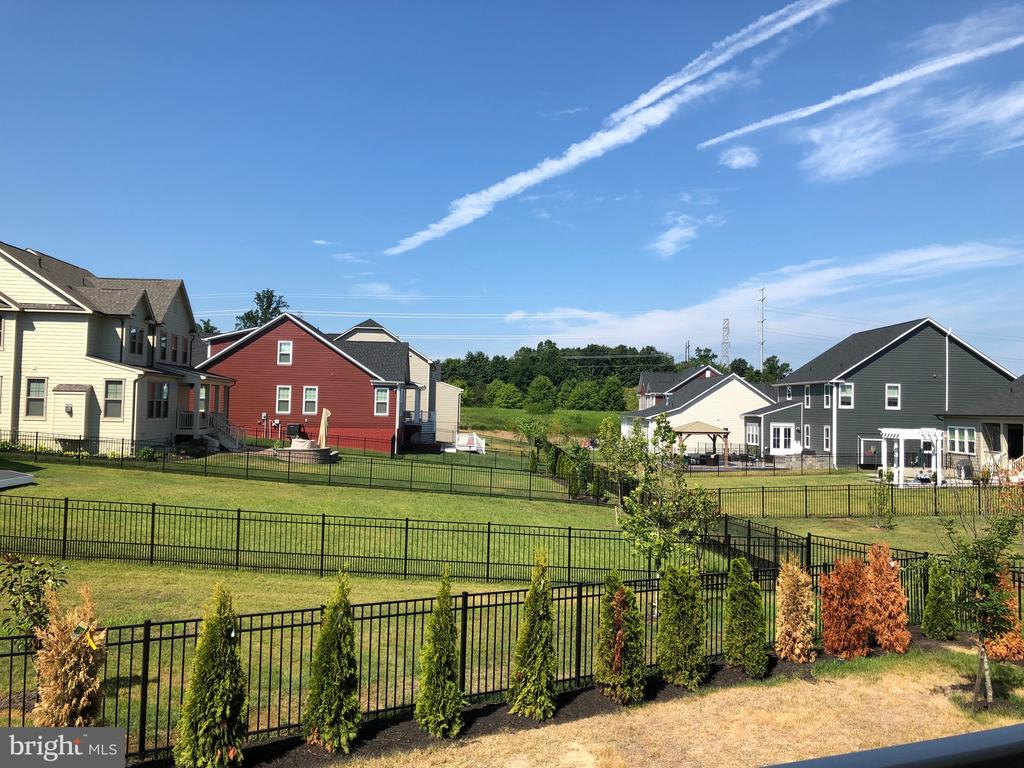 Along with a fenced yard and awesome sunset views - 17462 SPRING CRESS DR, DUMFRIES