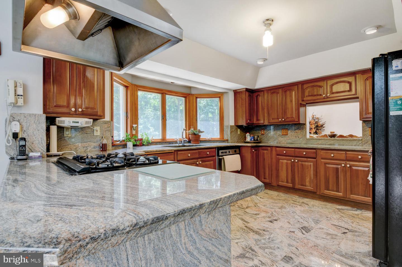 Single Family Homes por un Venta en North Brunswick, Nueva Jersey 08902 Estados Unidos