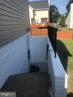 Outside entrance to finished full basement ! - 21 COOKSON DR, STAFFORD