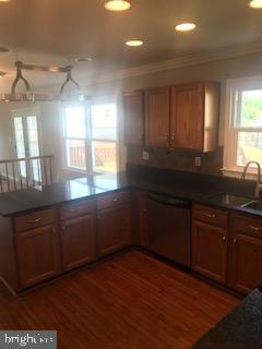 Gourmet Kitchen/Hardwood Floors - 21 COOKSON DR, STAFFORD