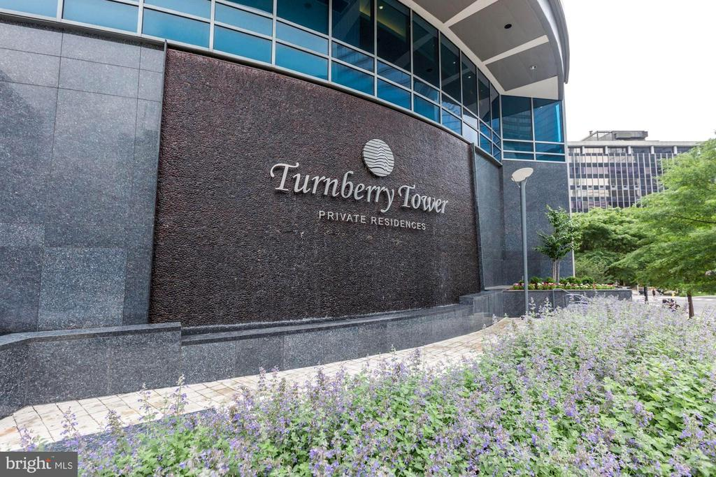 Turnberry Tower Private Residence - 1881 N NASH ST #1702, ARLINGTON