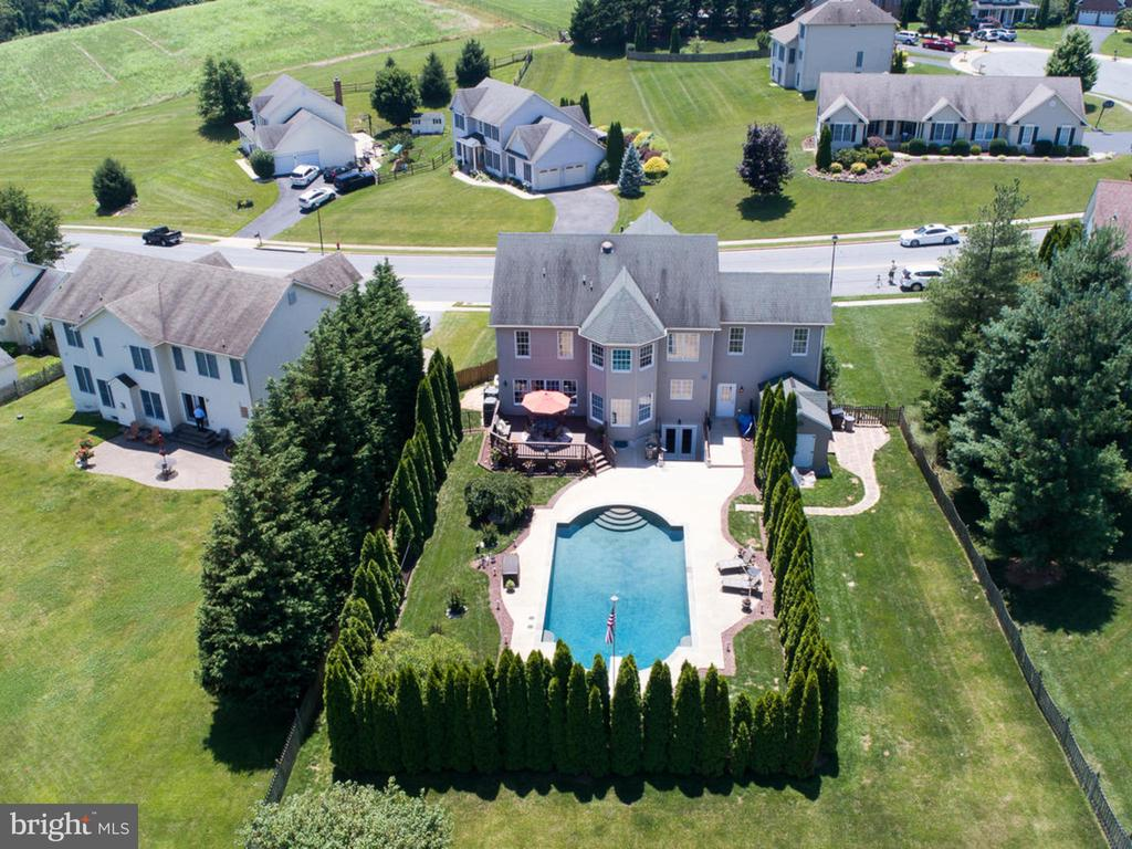 Wow! - 206 LAYLA DR, MIDDLETOWN