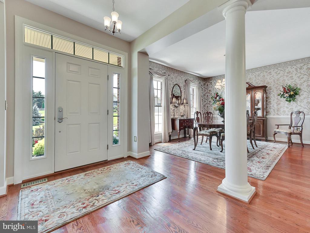 ...another view - 206 LAYLA DR, MIDDLETOWN