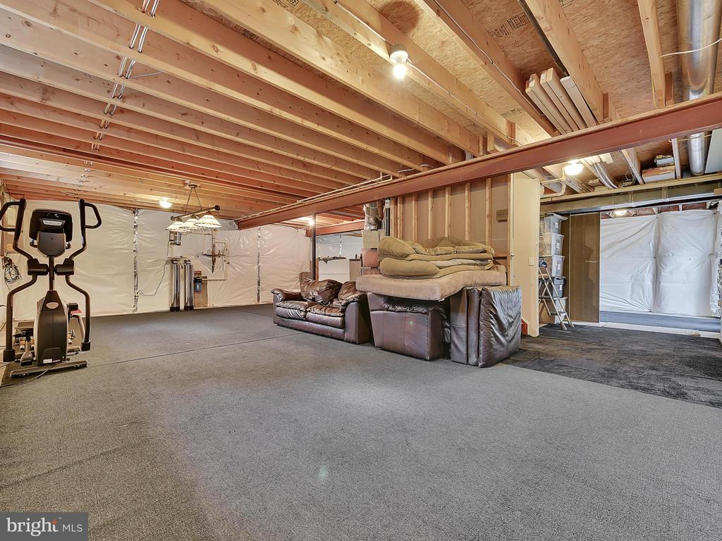 Lots of storage - 206 LAYLA DR, MIDDLETOWN