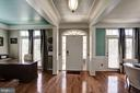 Foyer w/ open layout. crown molding throughout - 25046 MINERAL SPRINGS CIR, ALDIE