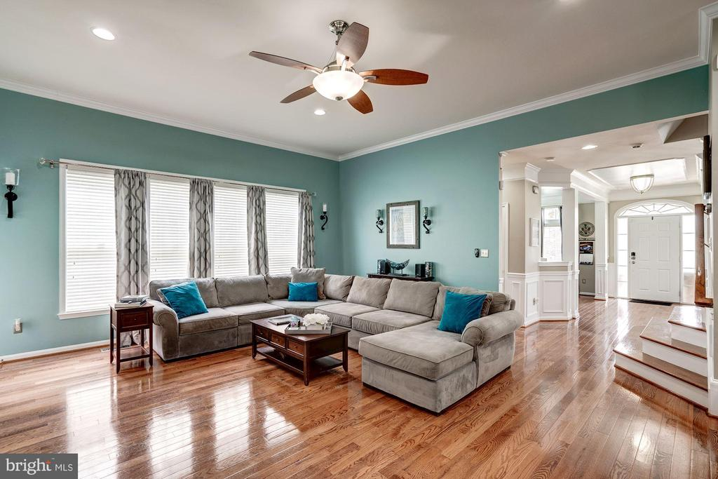 View of Family room.  Bright open layout. - 25046 MINERAL SPRINGS CIR, ALDIE