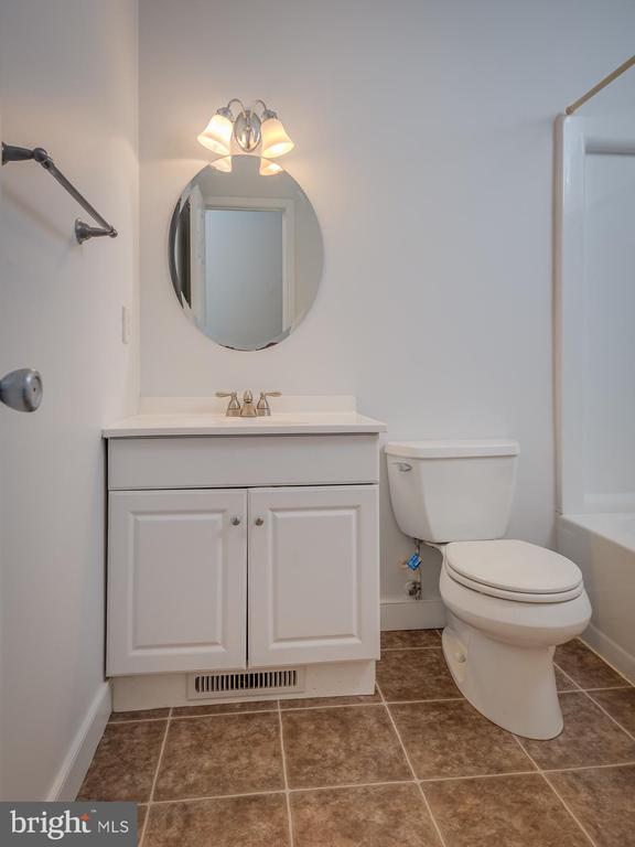 Bathroom - 1219 DEWBERRY DR, FREDERICKSBURG