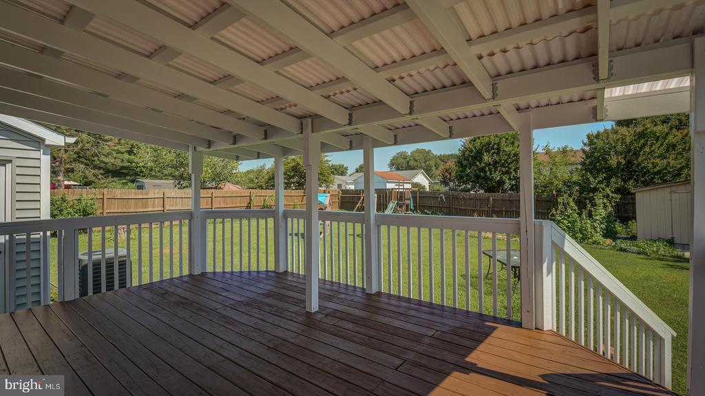 Covered Deck - 1219 DEWBERRY DR, FREDERICKSBURG
