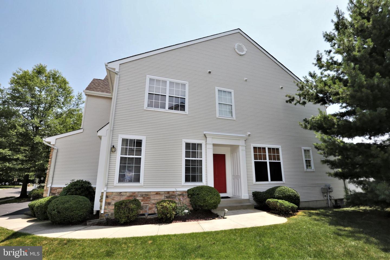 Single Family Homes para Venda às Dayton, Nova Jersey 08810 Estados Unidos