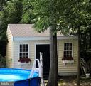 Pool ~ to cool off! Beautiful shed matches home! - 504 CREEK CROSSING LN, GLEN BURNIE