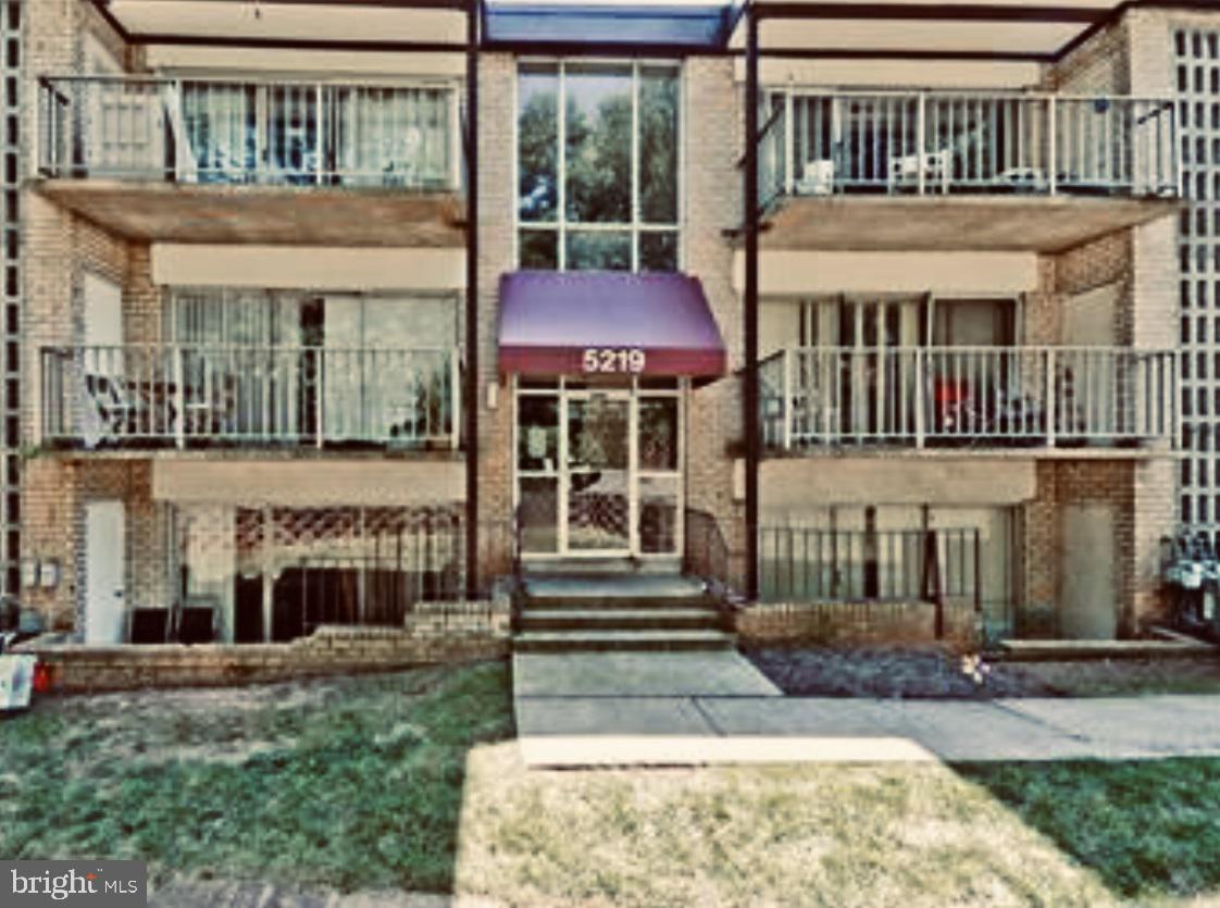 Single Family Homes 為 出售 在 Bladensburg, 馬里蘭州 20710 美國