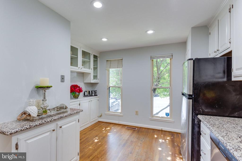 Spacious kitchen with hardwoods & light! - 1726 CY CT, VIENNA