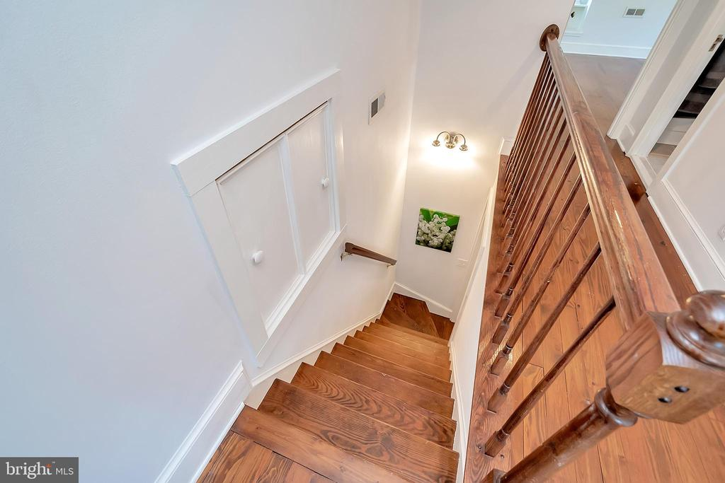 Stairwell to upper Master Retreat - 7088 LOUISIANNA RD, LOCUST GROVE