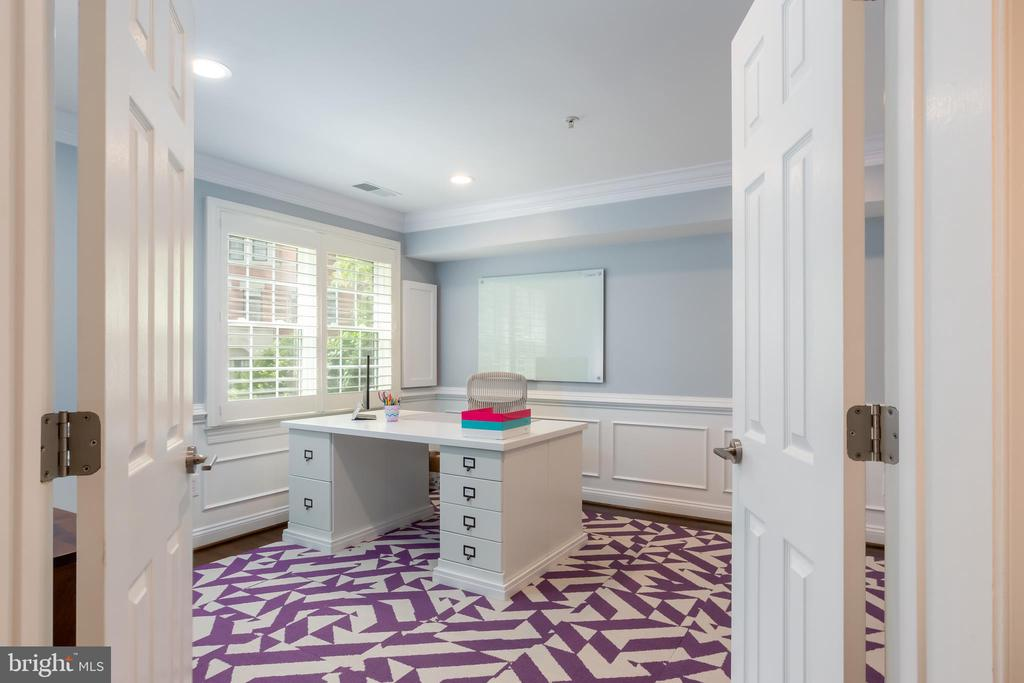 First floor bedroom or office! - 12079 KINSLEY PL, RESTON