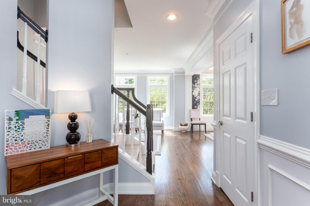 Main level hallway - 12079 KINSLEY PL, RESTON