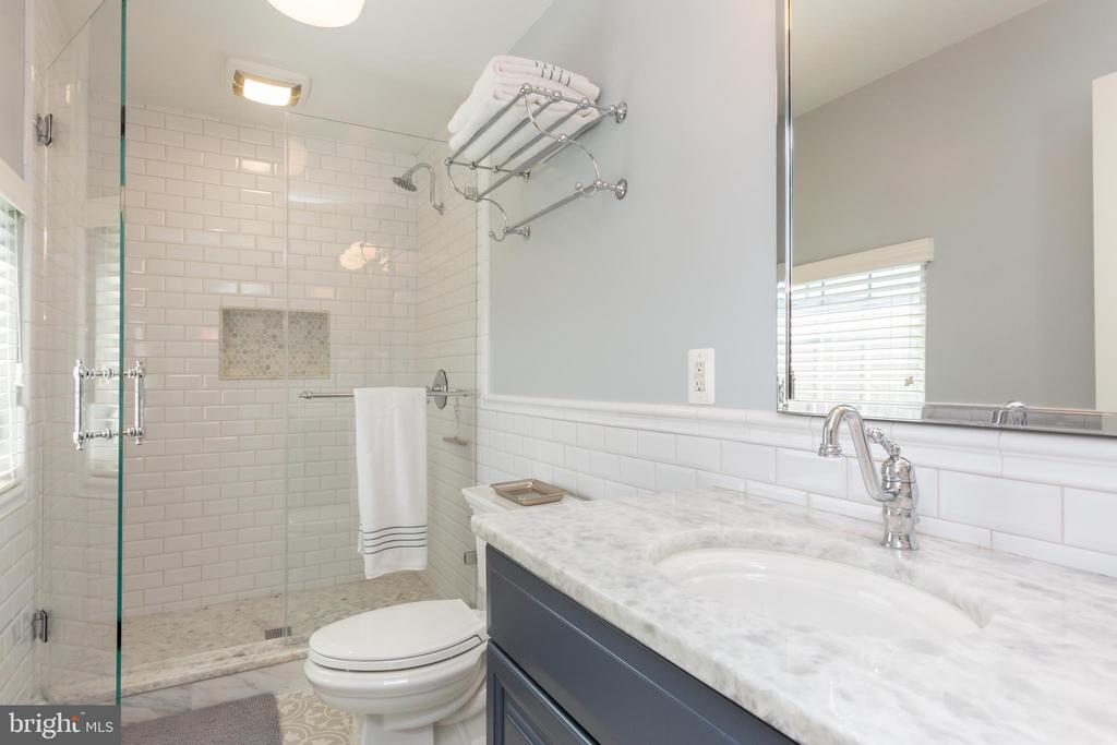 Stunningly renovated guest bathroom! - 12079 KINSLEY PL, RESTON