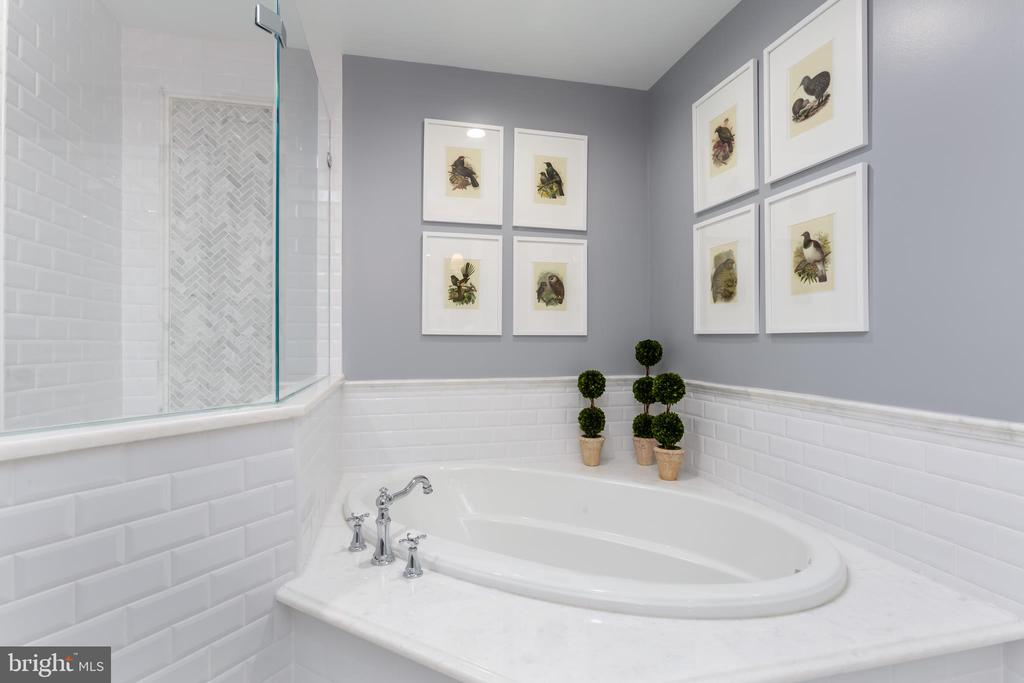 Gorgeous master bathroom! - 12079 KINSLEY PL, RESTON
