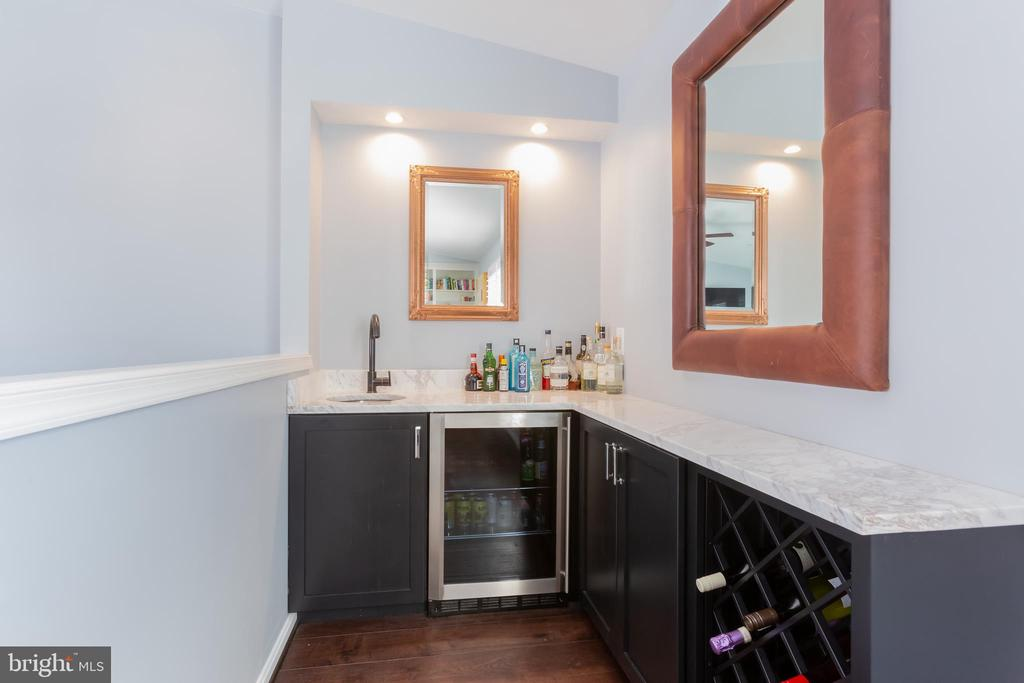 Wet-bar in 4th-story loft! - 12079 KINSLEY PL, RESTON
