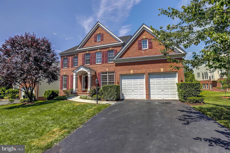 Woodbridge                                                                      , VA - $830,000