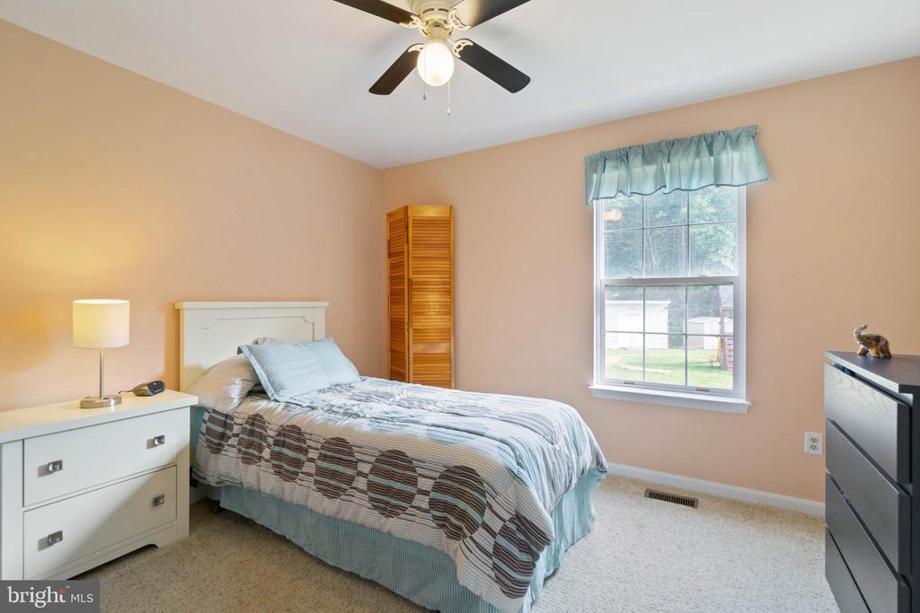 Bed #3 - 28418 LAUREL CANYON BLVD, RHOADESVILLE