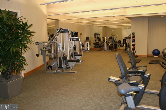 Fitness Room - 1881 N NASH ST #2009, ARLINGTON