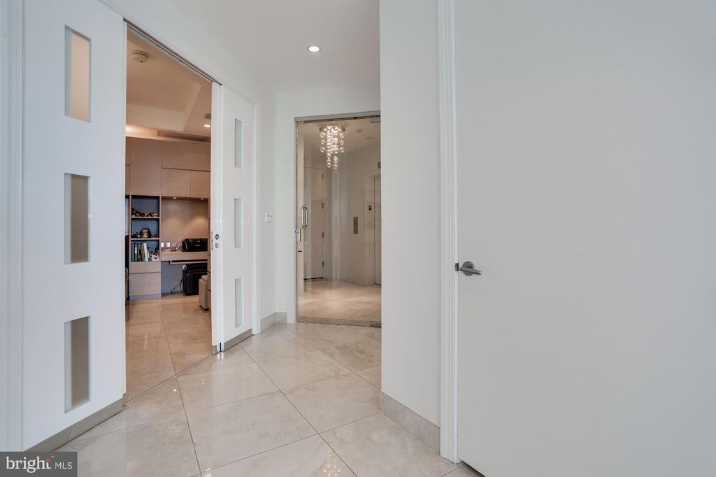 Hallway to Den/Bedroom 3 - 1881 N NASH ST #2009, ARLINGTON