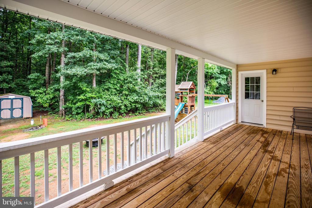 Huge deck - 12401 TOWER RD, UNIONVILLE