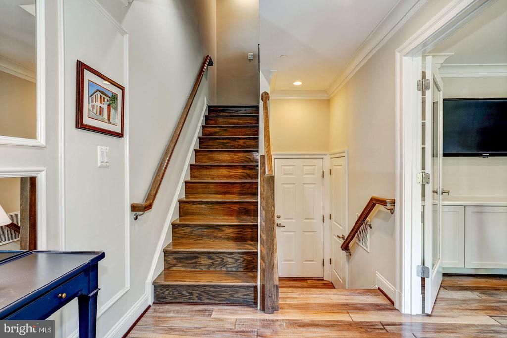 Foyer - 806 N WAKEFIELD ST, ARLINGTON