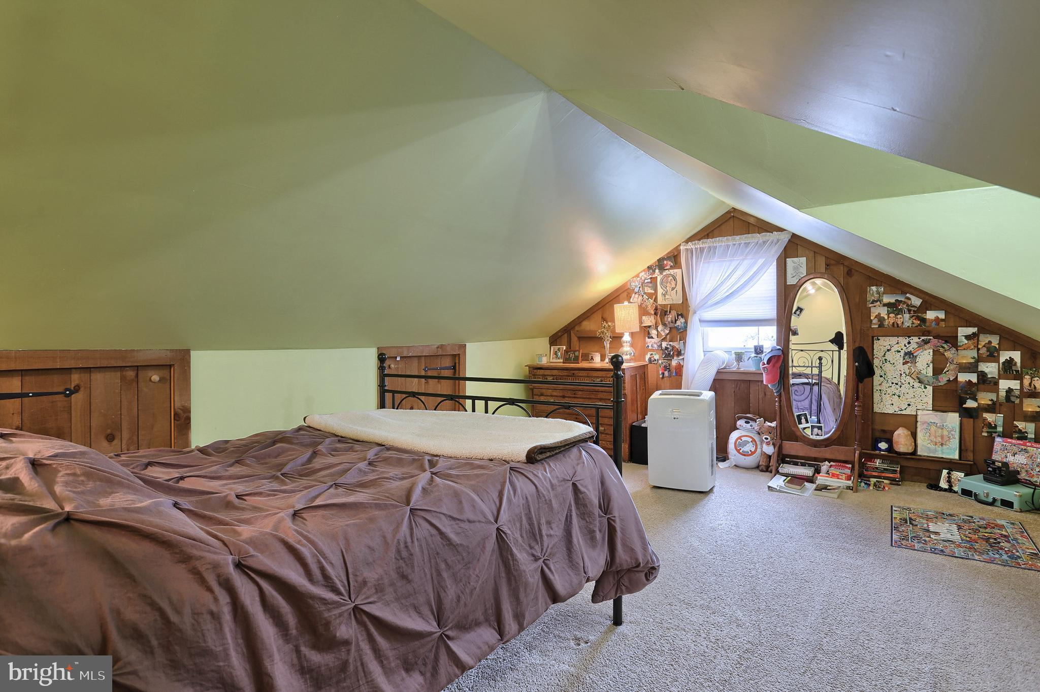 Attic 5th Bedroom - No Heat