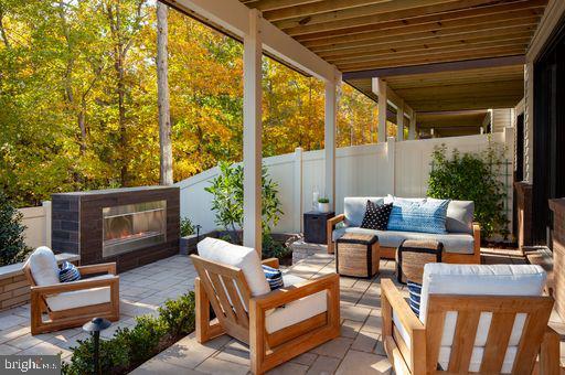 Soho Luxury Outdoor Living - 42478 MILDRED LANDING SQ, ASHBURN