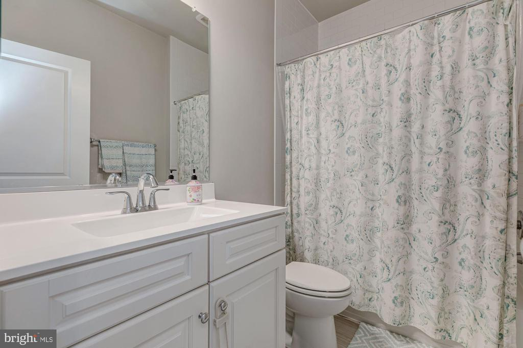 Full Bath - 1336 S ROLFE ST, ARLINGTON