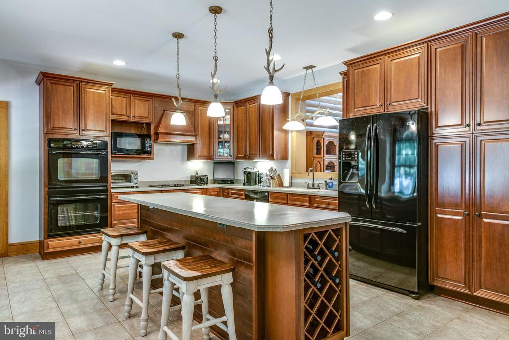 Kitchen - 39505 STONESTREET FARM LN, ALDIE