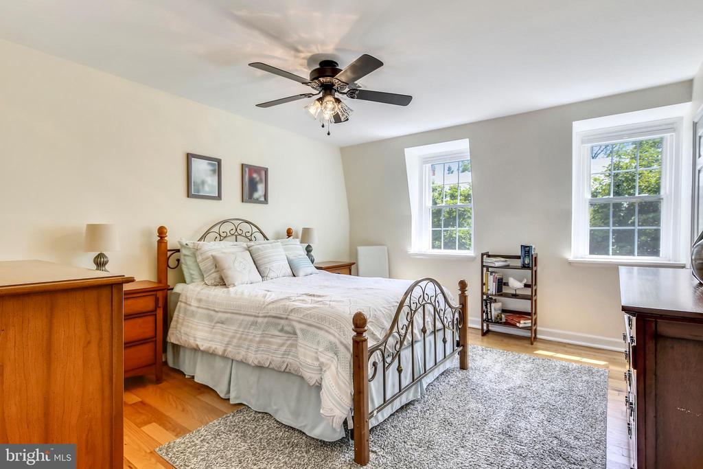 Easily fits a king! - 4456 36TH ST S, ARLINGTON