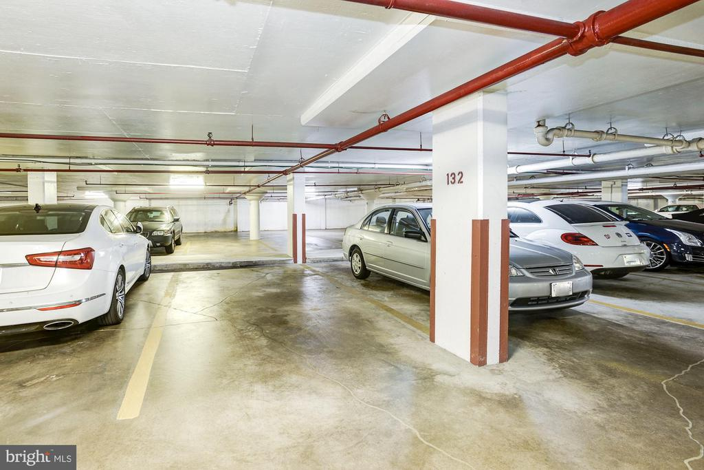 Reserved garage parking - 1300 ARMY NAVY DR #922, ARLINGTON