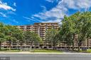 Close to National Landing and Amazon HQ2! - 1300 ARMY NAVY DR #922, ARLINGTON