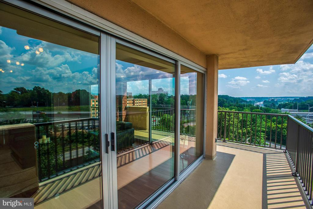 Upgraded the sliding glass doors to negate noise - 1300 ARMY NAVY DR #922, ARLINGTON