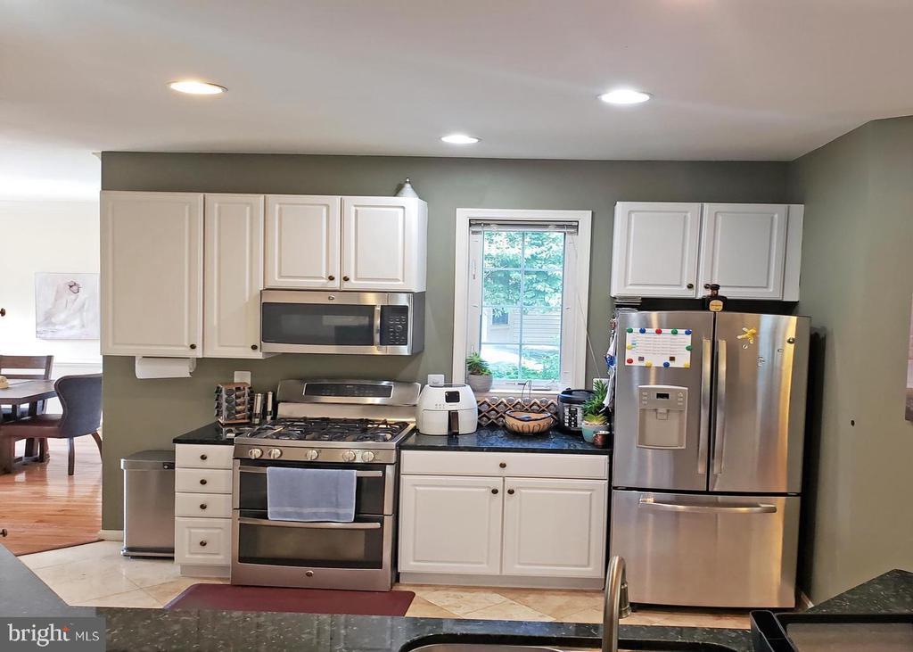 Kitchen - 46871 REDFOX CT, STERLING