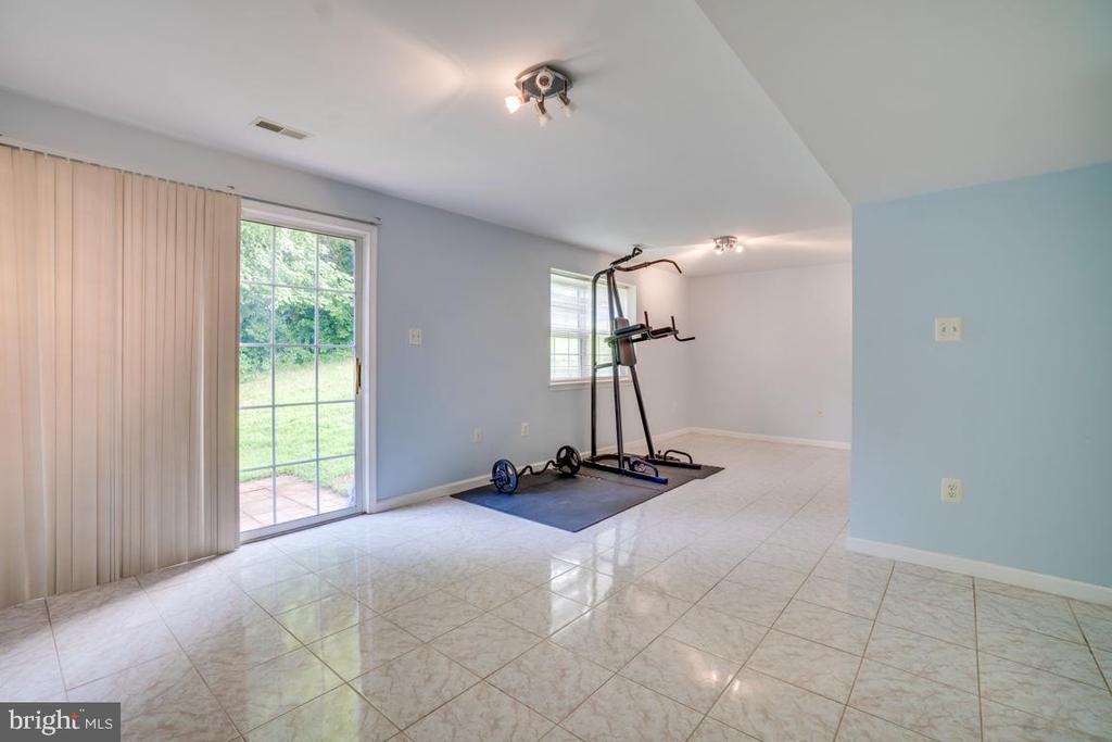Basement-Ceramic Tile Floor - 5075 HIGGINS DR, DUMFRIES