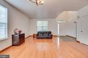Living room-main entrance in view - 5075 HIGGINS DR, DUMFRIES