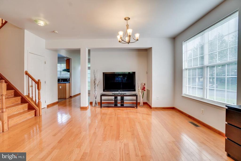Living room - 5075 HIGGINS DR, DUMFRIES