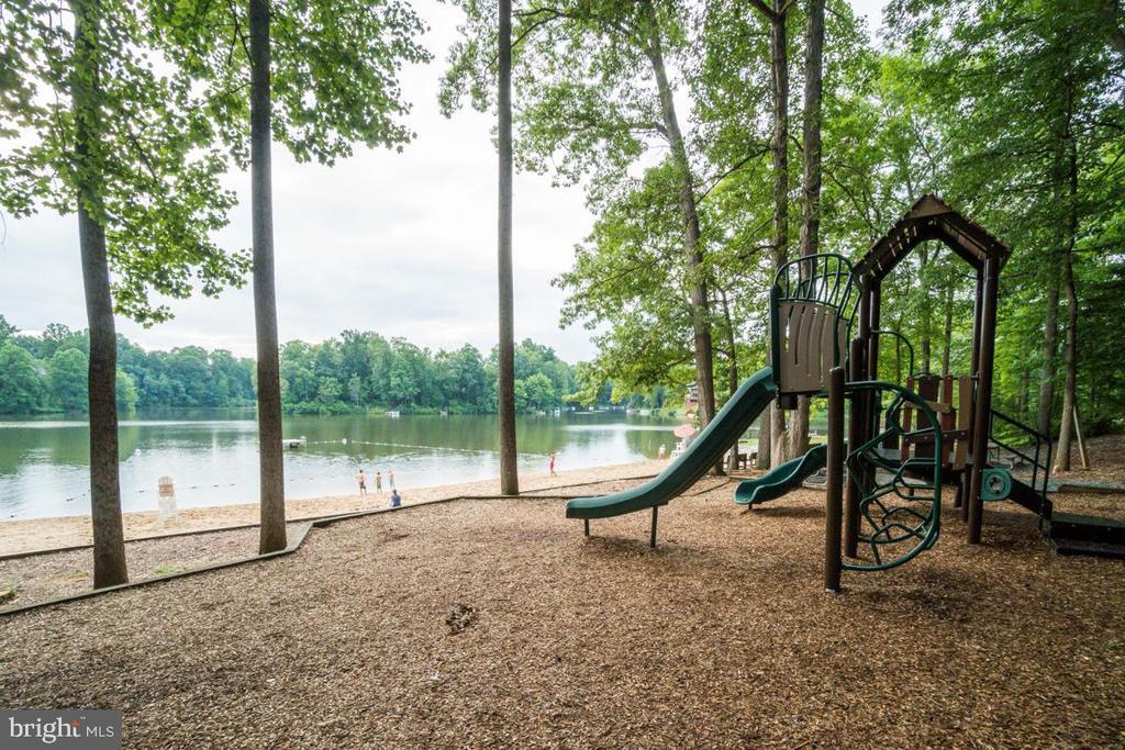 West Beat-Playground - 5075 HIGGINS DR, DUMFRIES